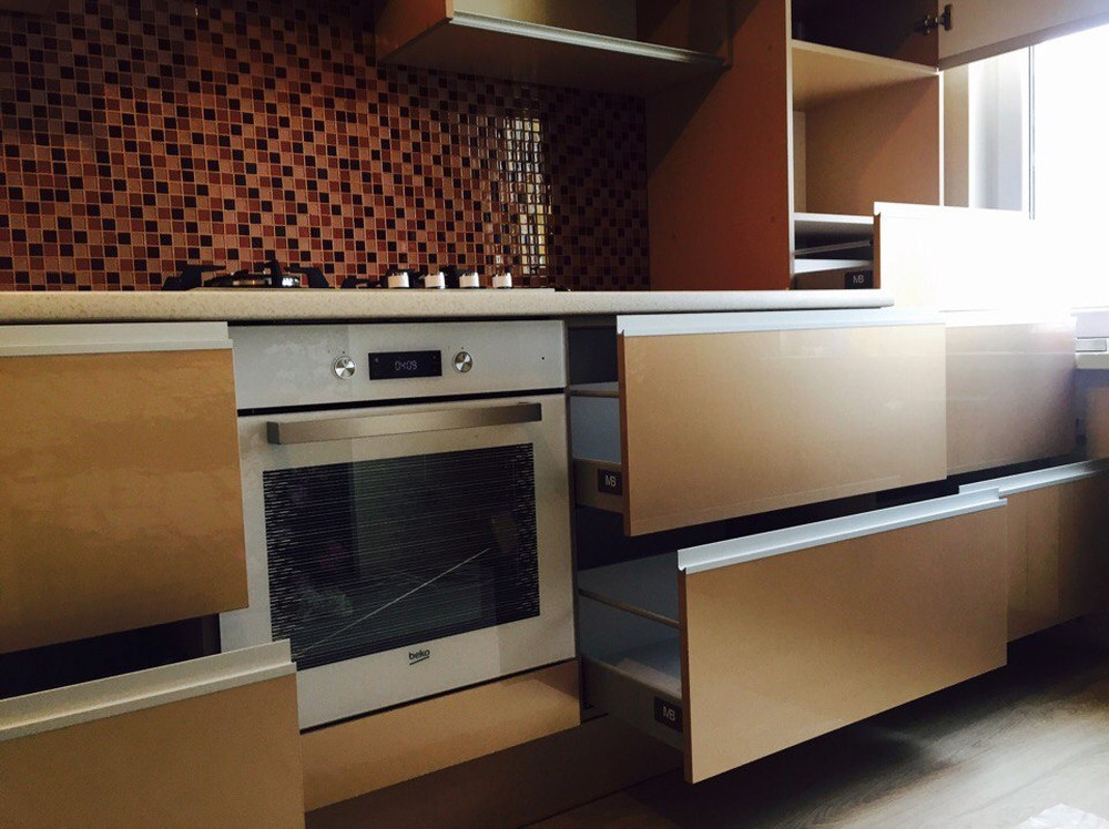 Белый кухонный гарнитур-Кухня МДФ в эмали «Модель 150»-фото2