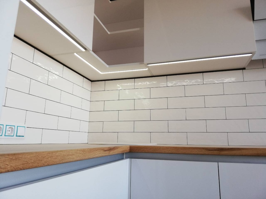 Белый кухонный гарнитур-Кухня МДФ в эмали «Модель 380»-фото4