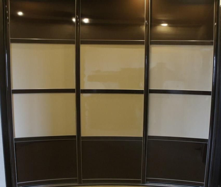Бельевой шкаф-купе-Шкаф-купе из пластика «Модель 323»-фото3
