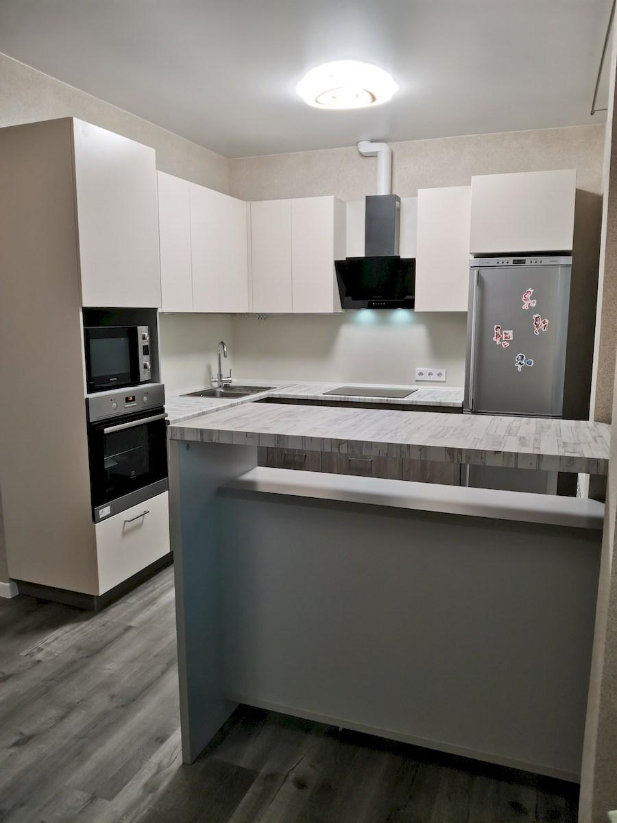 Белый кухонный гарнитур-Кухня МДФ в ПВХ «Модель 580»-фото2