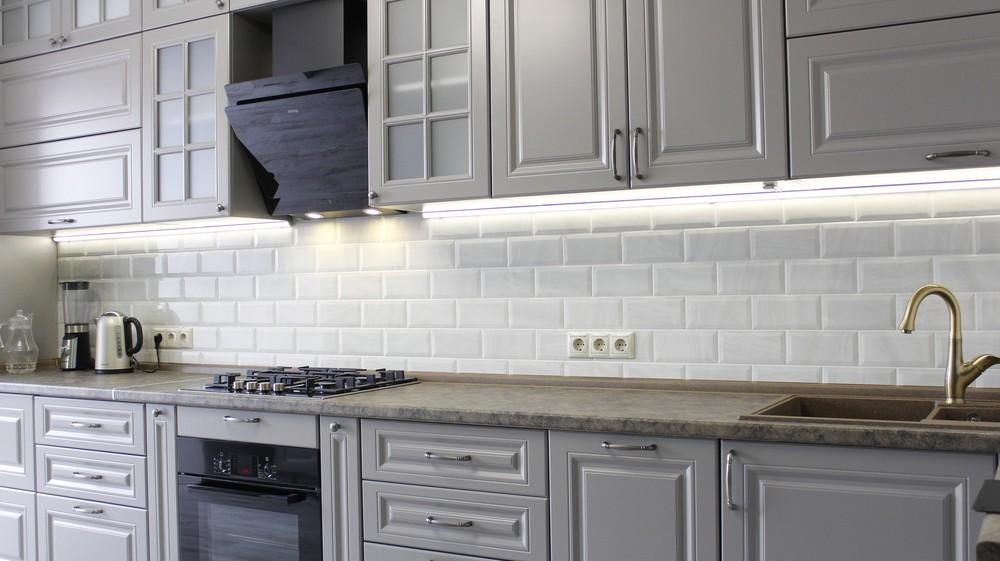 Белый кухонный гарнитур-Кухня МДФ в ПВХ «Модель 183»-фото1